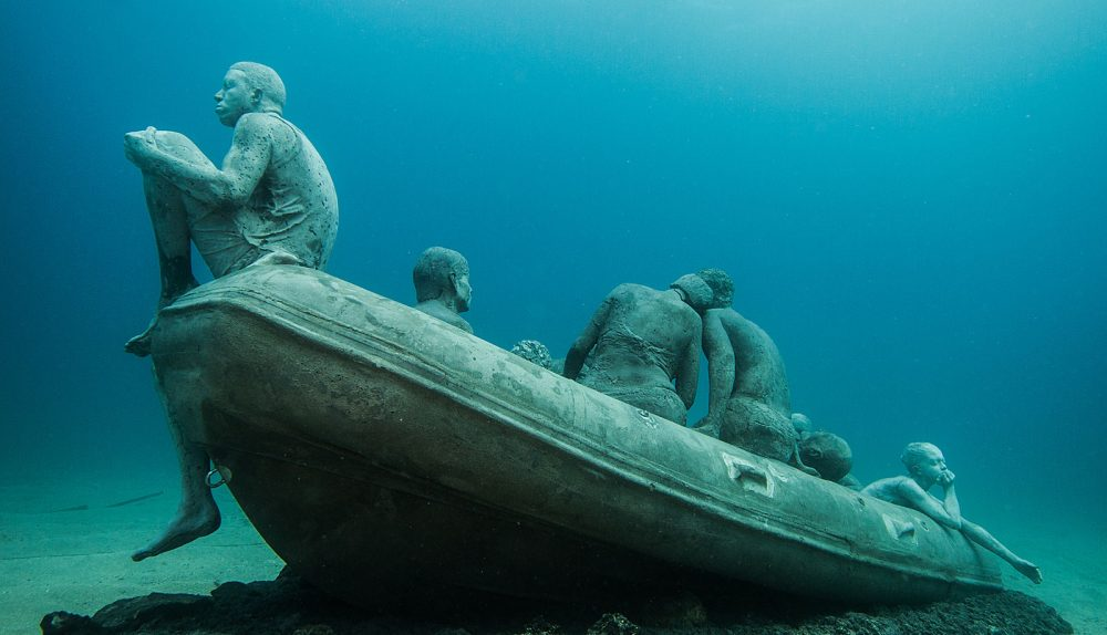 5 most unusual diving sites
